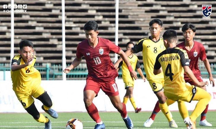 Thái Lan thắng 9-0, thần đồng Suphanat gây sửng sốt tất cả