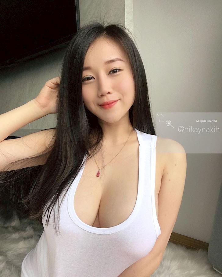 nakihcinnak-hot-girl-bi-quay-roi-thuong-xuyen-chi-vi-vong-mot-ngoai-co-anh-13