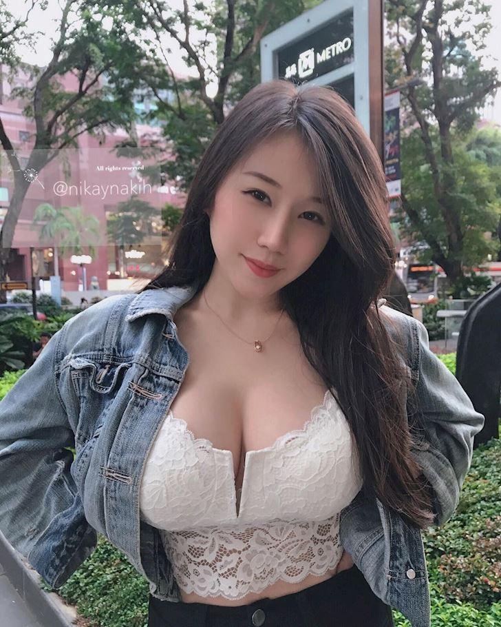 nakihcinnak-hot-girl-bi-quay-roi-thuong-xuyen-chi-vi-vong-mot-ngoai-co-anh-4
