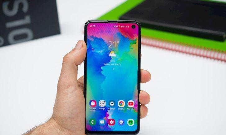 Những chiếc điện thoại nhỏ gọn đáng mua nhất năm 2019