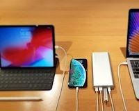 Sốc với phụ kiện pin dự phòng sạc được cả laptop đang giảm giá mạnh đầu năm