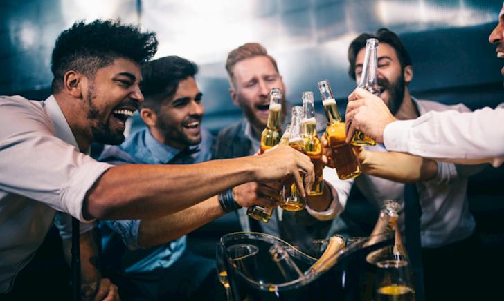 Ăn uống gì trước khi nhậu để tăng tửu lượng?
