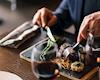 16 nguyên tắc trên bàn ăn của một người đàn ông