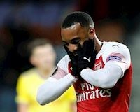 Báo hại đội nhà, sao Arsenal nức nở trên mạng xã hội
