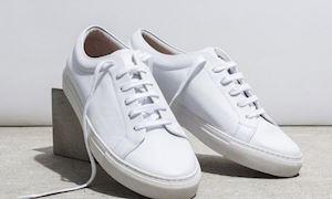 10 cách phối đồ với sneaker trắng phong cách nhất định phải biết