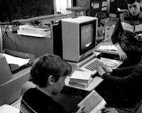 Bất ngờ với máy tính Apple 30 năm vẫn chạy tốt