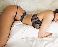 Nữ chủ tịch Kylie Jenner chụp ảnh sexy quảng cáo và chưa có cái kết