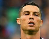 Điểm nóng sáng 19/2: Ronaldo lại bị người đẹp khác kiện ra tòa; Tuyệt chiêu giúp Solskjaer hạ Chelsea
