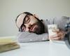 Cách giải quyết cơn buồn ngủ khi đang làm việc