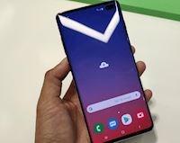 Cộng đồng mạng 'ngất trên cành quất' khi khuyên nên mua Samsung Galaxy S10 để 'cua gái thành công'