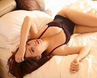 Hot girl Lily - phụ nữ quyến rũ là khi... mặc đồ ngủ
