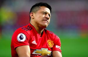 Man Utd quyết định cho cục nợ Sanchez