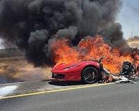 Hàng loạt siêu xe Ferrari có nguy cơ tự bốc cháy thành than