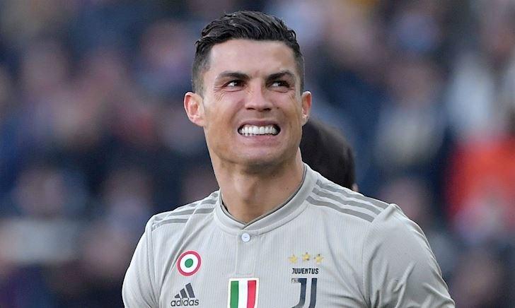 Vì đại cục của Juve, Ronaldo chịu thiệt trong cuộc đua với Messi