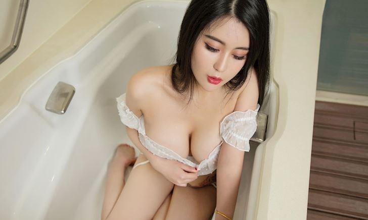 Hot girl Mochi khiến anh em muốn nói Kimochi