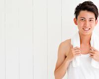 Con trai 20 tuổi: Hãy bắt đầu chăm sóc da, trị mụn kẻo hối không kịp