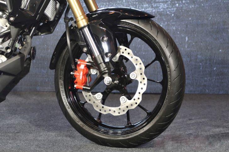 Honda-CB150R-gia-ban-105-trieu-dong-tai-Viet-Nam