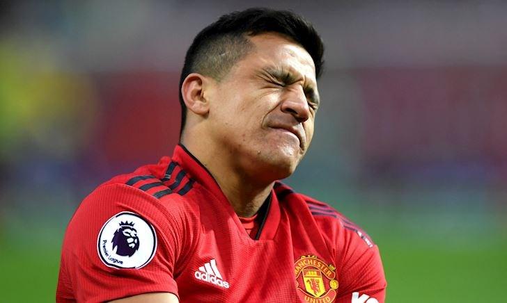 'Cục nợ' của Man Utd xác nhận ngồi chơi xơi nước đến cuối mùa