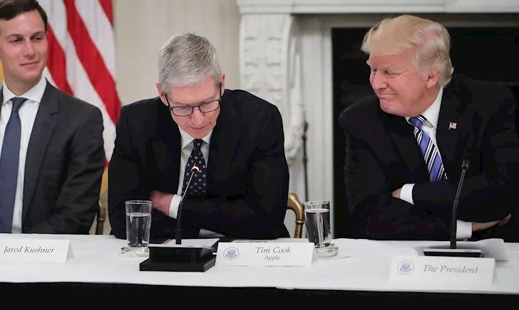 Tổng thống Trump đặt tên 'thân mật' cho CEO Apple