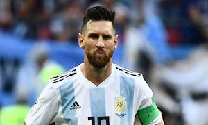 Messi trở lại Argentina sau 9 tháng bị