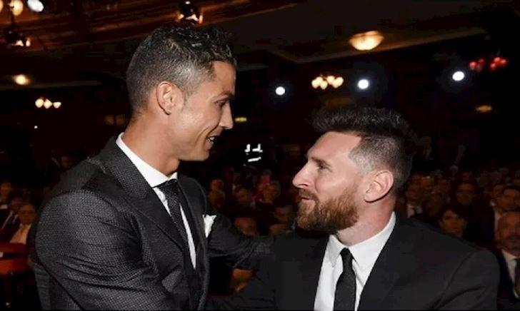 """""""Ronaldo đến ăn mừng còn ích kỷ, Messi đặt đội bóng lên tất cả"""""""