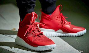 Những đôi sneaker đỏ 'quyền lực' định hình cá tính cho phái mạnh