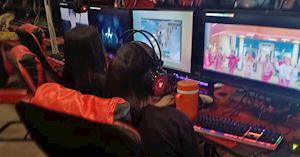 Bị Youtube trừ hết lượt xem, fan BTS lại hô hào nhau thuê tiệm nét để cày bù lại