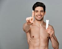 Hướng dẫn chọn mỹ phẩm không gây dị ứng cho nam giới hiện đại