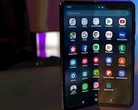 Samsung lùi ngày bán Galaxy Fold để làm máy chắc chắn hơn