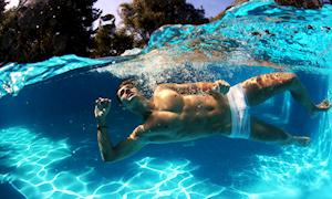 Mẹo chọn quần bơi phù hợp với dáng người cho anh em