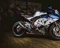 S1000RR lột xác thành mãnh thú trường đua BMW HP4