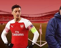 Mesut Ozil nổi điên, suýt cho HLV Emery ăn đòn ngay trên sân