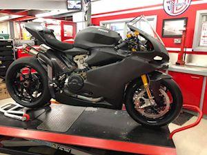 Bản độ khủng của siêu mô tô Ducati 1299 Superleggera giá hơn 2 tỷ