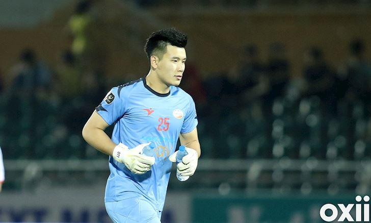 Thu mon Bui Tien Dung Chon Ha Noi FC cu ngo len huong 3