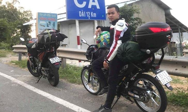 Bạn trẻ 20 tuổi nài Satria F150 xuyên Việt khiến nhiều biker nể phục