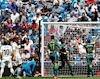 Bale hớn hở, Real thua 'muối mặt' trên sân nhà