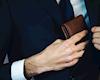 Trong ví của một người đàn ông hiện đại, chỉ cần 5 món đồ sau