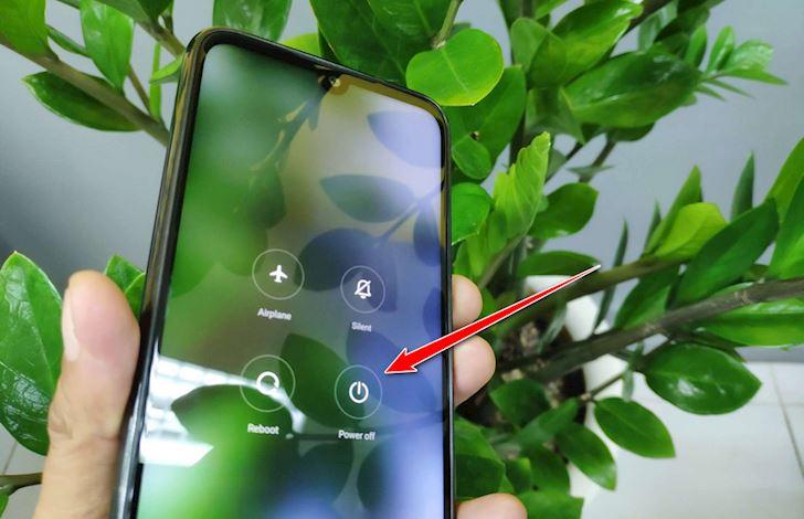 Bí kíp giúp vệ sinh cổng sạc điện thoại Android cực sạch và nhanh 2