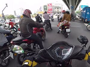 Cách chạy xe côn tay dễ dàng khi kẹt xe - Riding Skill #3