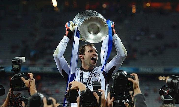 Giải nghệ ở Arsenal, Cech quay về Chelsea làm sếp tổng