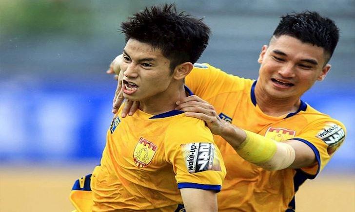 CLIP: Trọng Hùng - 'trai đẹp' V-league khiến thầy Park mê mẩn