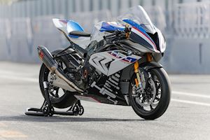BMW S1000RR HP4 Race - những bí mật ít ai biết