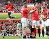 Trở về dẫn dắt M.U, Sir Alex khiến sân Old Trafford dậy sóng