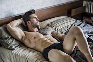 Khi bận quần lót, nên để 'cậu nhỏ' hướng lên hay hướng xuống?