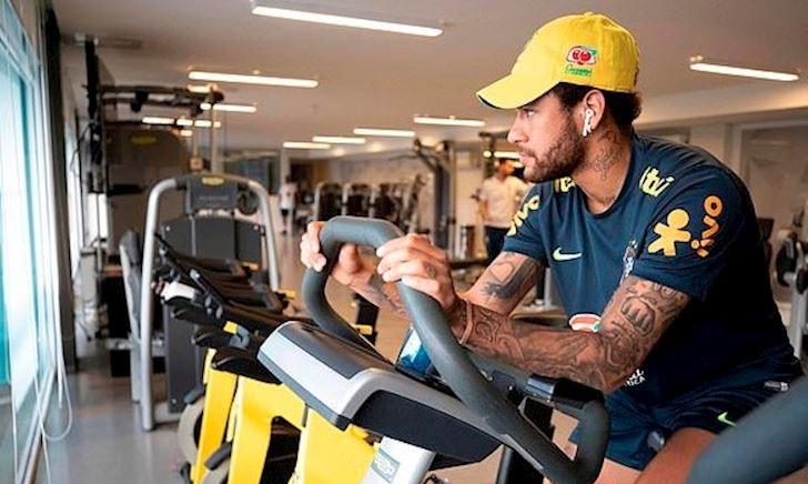 Neymar lủi thủi một mình, Brazil suy sụp trước Copa America
