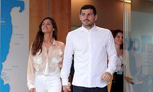 Casillas xuất viện, rạng ngời bên bạn gái xinh đẹp