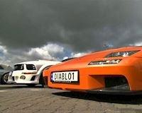 120 siêu xe bị bắt vì đua xe trái phép tới 250 km/h trên đường phố