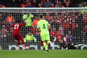Mourinho: 'Barca đá như một lũ trẻ con'