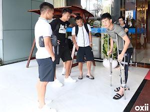 HLV Park Hang-seo yêu cầu gặp Đình Trọng tại sân bay