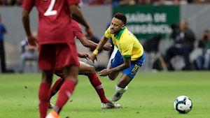 Neymar khiến bác sĩ ĐT Brazil phát chán vì hay nằm sân